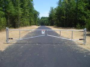 Vinyl Driveway Gate Ideas